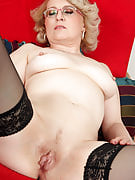 43 yr old Mareaux from 30 plus Ladies styles spicy hot in purple lingerie