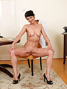 Preferred workplace MILF Kitty t performances off the lady 52 year familiar beaver at get the job done