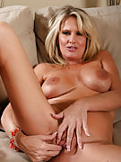 Blonde MILF Bridgette loves in order to finger her adult vagina as part of here