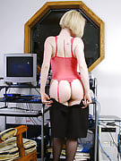 Golden-haired office MILF strips and also spreads her ivory thighs