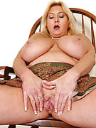 47 year old Tahnee Tayor frees the lady massive juggs and fingers this girl pussy