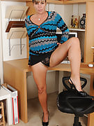 Office MILF shoot soar after 30 plus Ladies probes at just this girl mature pussy