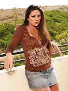 After the balcony Stephanie fast spreads the lady thighs wide for you