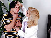 Nina Hartley & Anthony Rosano in Hot Moms Fucking