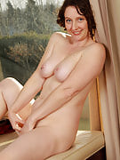 Horny housewife Artemesia after 30 plus Ladies showing off the lady lifelike body shape