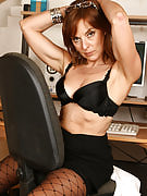 Redheaded MILF Georgie after 30 plus Ladies shows hairy crotch