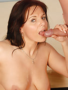 40 yr old Linette enjoy the young throbbing frustrating cock